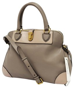 Marc Jacobs Manhatthan Whitney Leather & Blush Satchel in Concrete