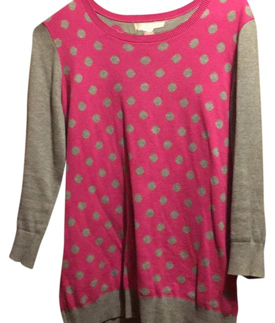 Preload https://img-static.tradesy.com/item/20553722/banana-republic-grey-sleeves-pink-with-grey-polka-dots-sweater-0-1-650-650.jpg