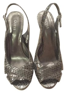 Guess Slingbacks Heels Peep Toe black snake print Pumps