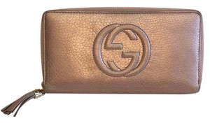 Gucci Gucci Soho Leather Zip Around Wallet in Rose Gold