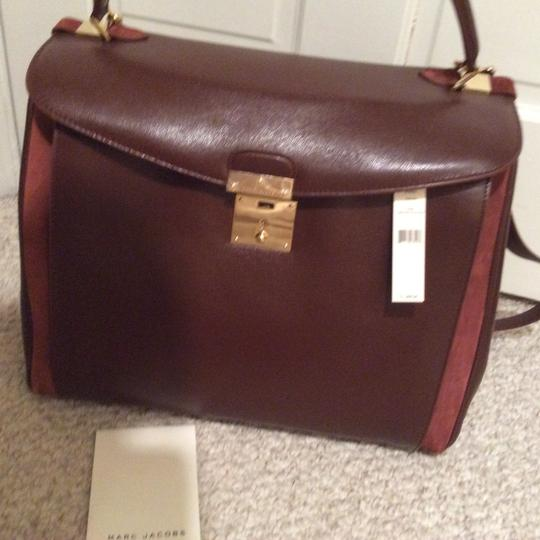 Marc Jacobs Tote in burgundy beautiful business statement