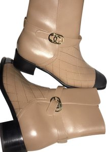 Chanel light brown/black Boots