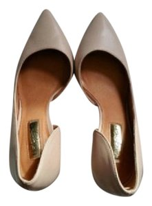 Halogen Beige pale pink Pumps