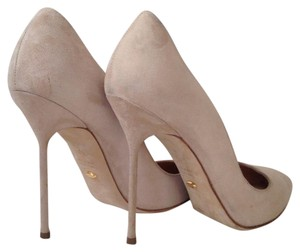 Sergio Rossi Chichi Suede Nude/natural Nude Pumps