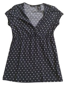 New York & Company T Shirt black with white dots