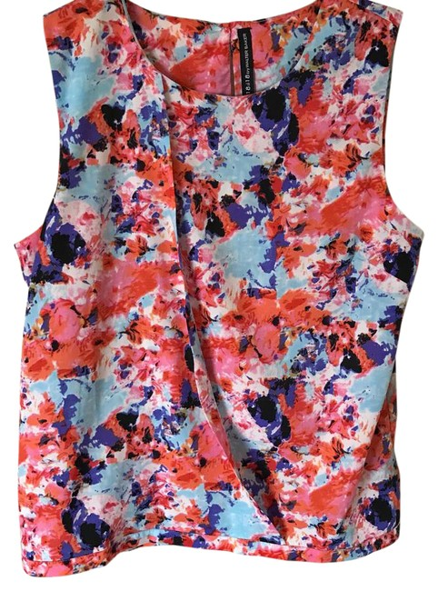 Preload https://img-static.tradesy.com/item/20556565/w118-by-walter-baker-floral-blouse-size-4-s-0-1-650-650.jpg