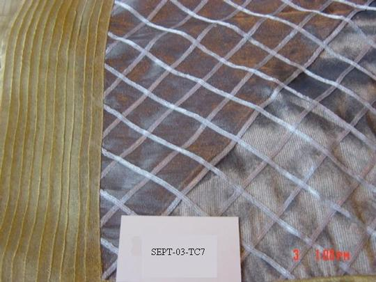 Silver/Gold Table Topper Tablecloth