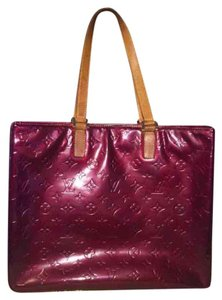 Louis Vuitton Tote in maroon