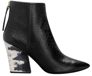 & Other Stories Textured Pointed Toe Heel Black and White Boots