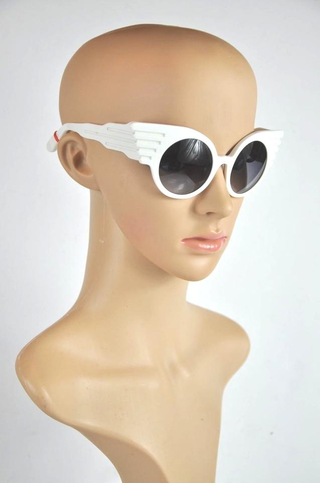 f8d8ea3520fd ... LINDA FARROW FOR JEREMY SCOTT White Wing Sunglasses Image 5. 123456