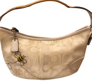 Coach Tote in Beige/White