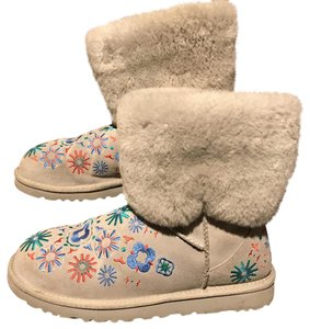 UGG Australia Embroidered Soft Gray Boots