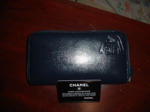 Chanel Lambskin Dark blue Clutch