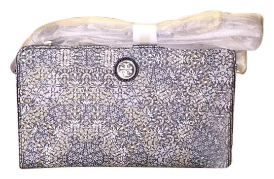 Preload https://img-static.tradesy.com/item/20558831/tory-burch-kerrington-wallet-in-kaleidoscopic-cross-body-bag-0-1-540-540.jpg