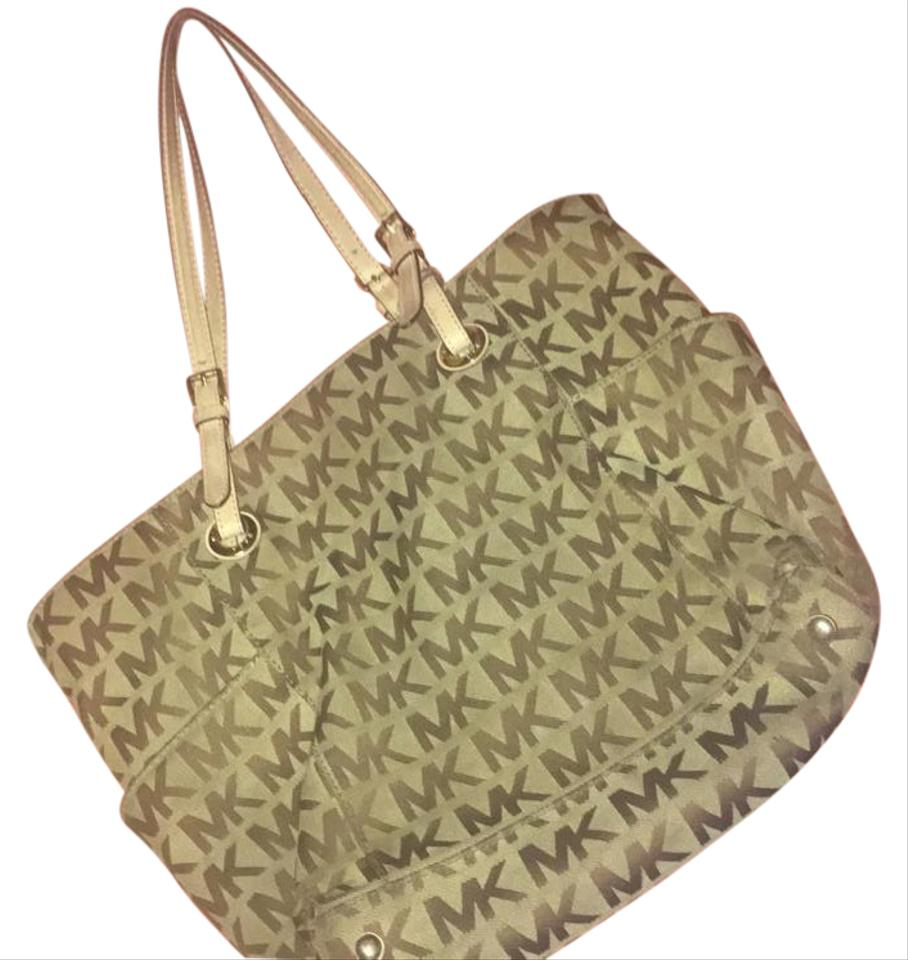 36c8f6c9ce8d Michael Kors Design Fairly Old But The Is Still In Very Good Shap ...