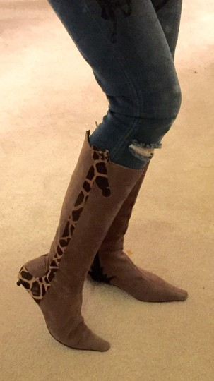 Moschino Suede Italian Whimsy Size 6 Sleek Chic Tan Brownish Boots