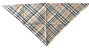 Burberry Burberry triangle scarf