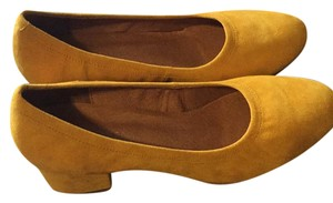 Jeffrey Campbell Mustard Pumps