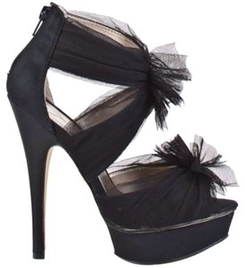 Steve Madden Black Lace & Satin Pumps