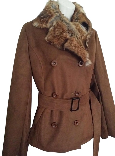Preload https://img-static.tradesy.com/item/20561869/chico-s-brown-faux-suede-with-faux-fur-collar-size-8-m-0-3-650-650.jpg
