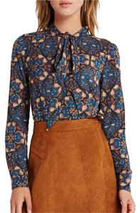 BCBGeneration Pussybow Surplice 70s Tieneck Funky Top