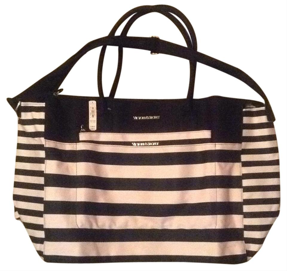 Victoria's Secret Weekend\/Travel Bags - Up to 90% off at Tradesy