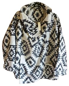 Anthropologie Collar Buckle Patch Pockets Dolman Sleeves Snap Front Ethnic Print Coat