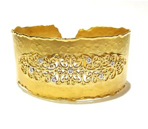 I.Relss Beautiful 14K Yellow Gold & Diamonds Bangle Bracelet