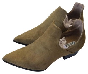 Cape Robbin Olive Boots
