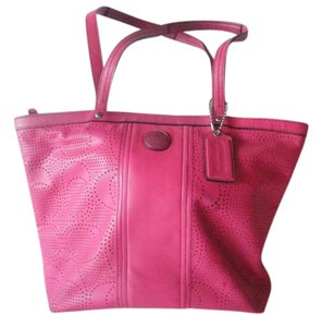 Coach Tote in Watermellon Pink