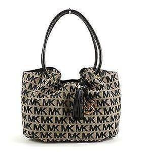 Michael Kors Tote in Black Beige