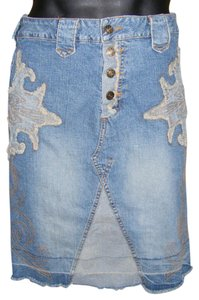 bebe Denim Jean Distressed Curve Hugging Unhemmed Skirt blue
