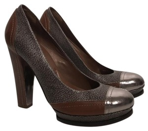BCBGMAXAZRIA gravel/pewter/brown Pumps
