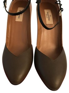 Valentino Nude & Brown Pumps