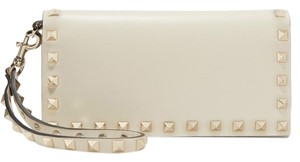 Valentino Rockstud Studded Classic Travel Wristlet in Ivory