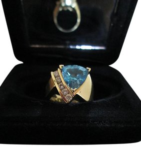 Other 14K KARAT YELLOW GOLD RING BLUE TOPAZ WITH 5 DIAMONDS ALA DESIGNER