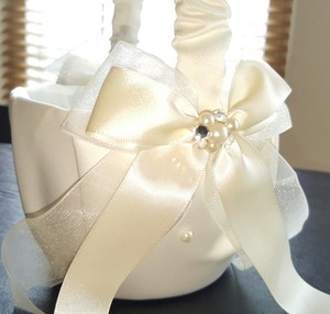 Diamond And Pearl Flower Girl Basket