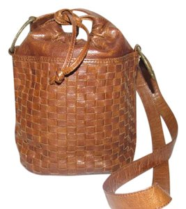 Fendi Drawstring Top Bucket Style Excellent Vintage Rare Early Satchel in woven and smooth chestnut brown leather