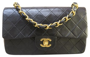 Chanel Lambskin Vintage Single Flap Tote in black
