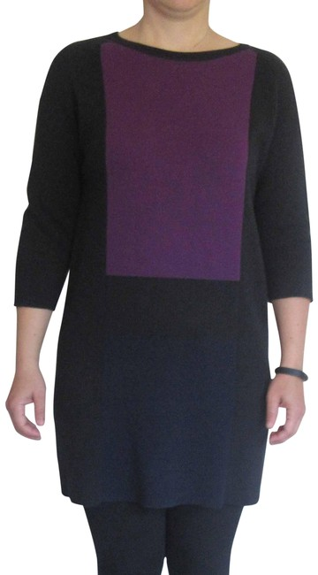 Preload https://img-static.tradesy.com/item/20566749/joan-vass-cotton-knitted-tunic-rn-115948-black-with-dark-navy-and-violet-inserts-sweater-0-3-650-650.jpg