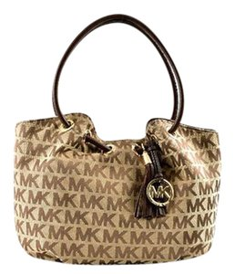 Michael Kors Tote in Brown Beige