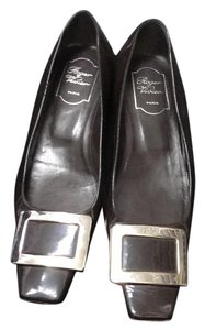 Roger Vivier deep brown Flats