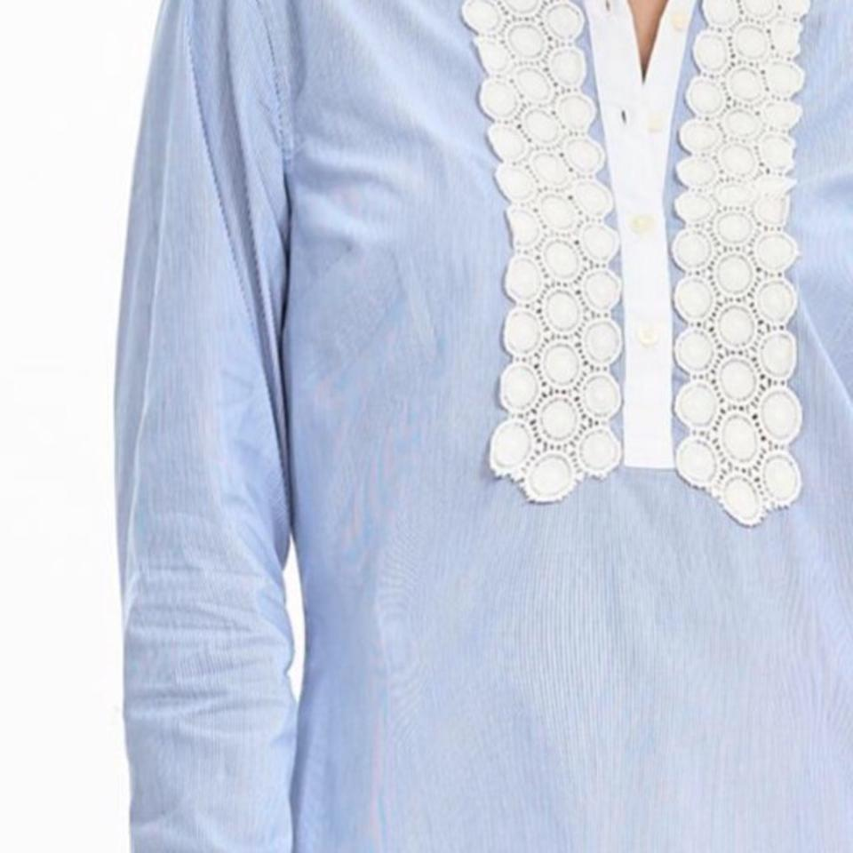 c8566a5379c Banana Republic Light Blue and White Striped Lace'trim Shirt Button-down  Top Size 2 (XS) 55% off retail