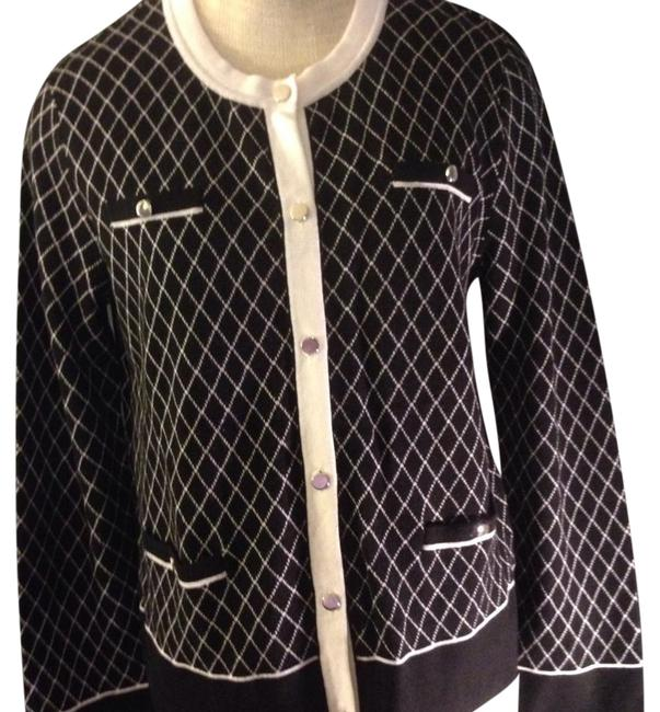 Preload https://item1.tradesy.com/images/jones-new-york-blackwhite-collection-classic-knit-button-down-top-size-14-l-20567875-0-1.jpg?width=400&height=650