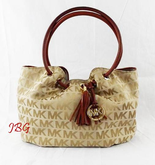 Preload https://img-static.tradesy.com/item/20568224/michael-kors-ring-mk-signature-brown-jacquard-tote-0-2-540-540.jpg