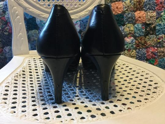 Easy Spirit black leather Pumps