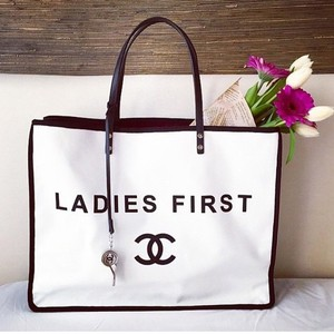 Chanel Tote in black lining with white body