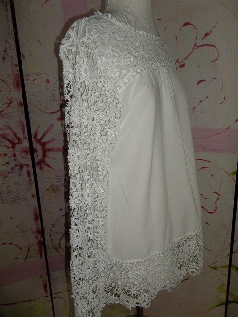 Other Light Weight Size: Large Longsleeve Bust: 21.5 Top WHITE LACE