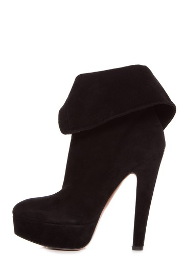Preload https://item1.tradesy.com/images/alaia-black-suede-with-eyelet-lace-up-bootsbooties-size-us-85-regular-m-b-20569415-0-0.jpg?width=440&height=440