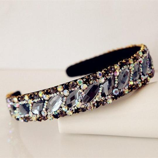 Preload https://item2.tradesy.com/images/dark-grey-blue-and-yellow-marquise-rhinestone-hairband-hair-accessory-20569646-0-0.jpg?width=440&height=440